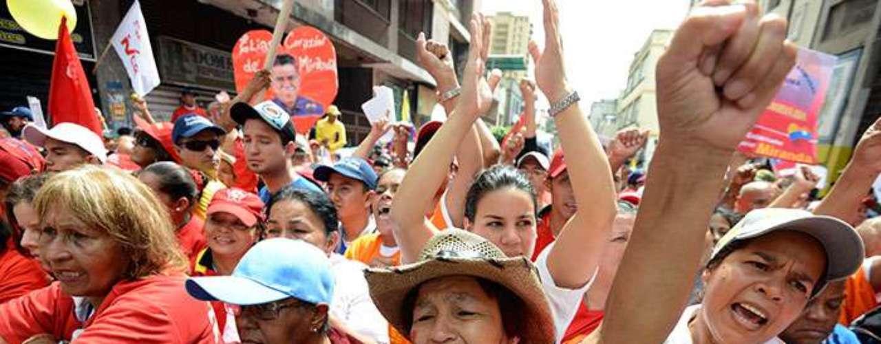 Desde que Chávez fue operado el 11 de diciembre en La Habana, no ha sido publicado ningún parte médico, y los venezolanos no han visto ninguna imagen suya ni han escuchado su voz. El gobierno tampoco ha aclarado si podrá reasumir o no el día 10.