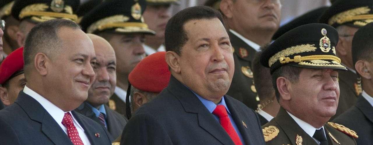 No obstante, Hugo Chávez ha sido reconocido por la revista estadounidense Time como una de las personas (gobernantes) más influyentes durante 2 años consecutivos: 2005 y 2006.