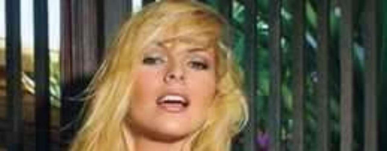 ¡Aprovecha para enviarle un mensaje abajo de estas lineas!Los 50 rostros más bellos de las telenovelasTelenovelas: Las mejores villanas del siglo XXI¿Gallitos de pelea? Los actores y sus... ¡guerras en el set!Estrellas de novela que se han desnudado en Playboy
