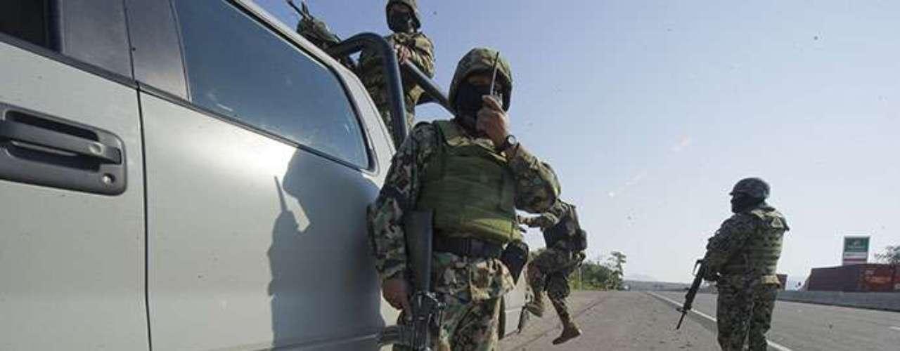 Fausto Vallejo Figueroa, gobernador de Michoacán, afirmó que en municipios como Marcos Castellanos y Briseñas hay presencia del Ejercito Mexicano, Policía Federal y policía estatal, que mantiene coordinación con su similar de Jalisco.