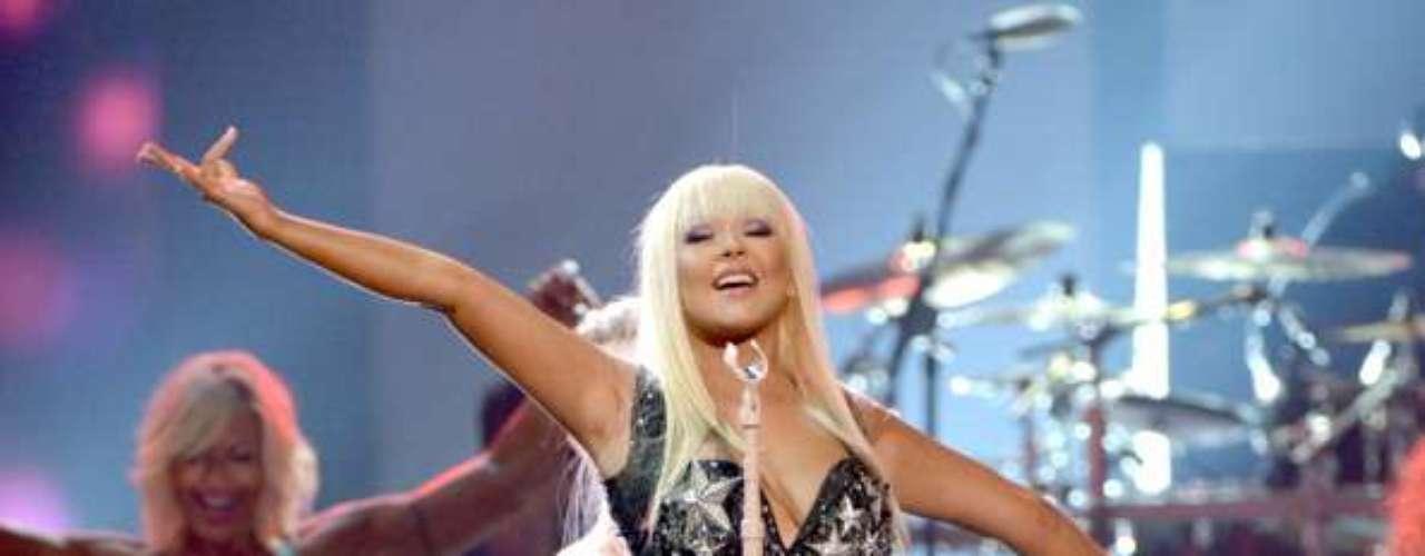 Decenas de imágenes de Christina Aguilera fueron descubiertas en una tarjeta de memoria. La cantante aparecía en situaciones muy íntimas con su pareja, Matt Rutler.