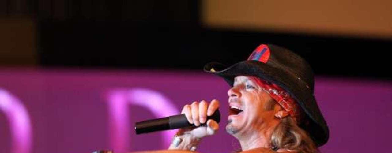 Bret Michaels: Otro de los videos que hizo Pamela es con su ex novio, Bret Michaels, ex vocalista de Poison, quien además tuvo su reality show \