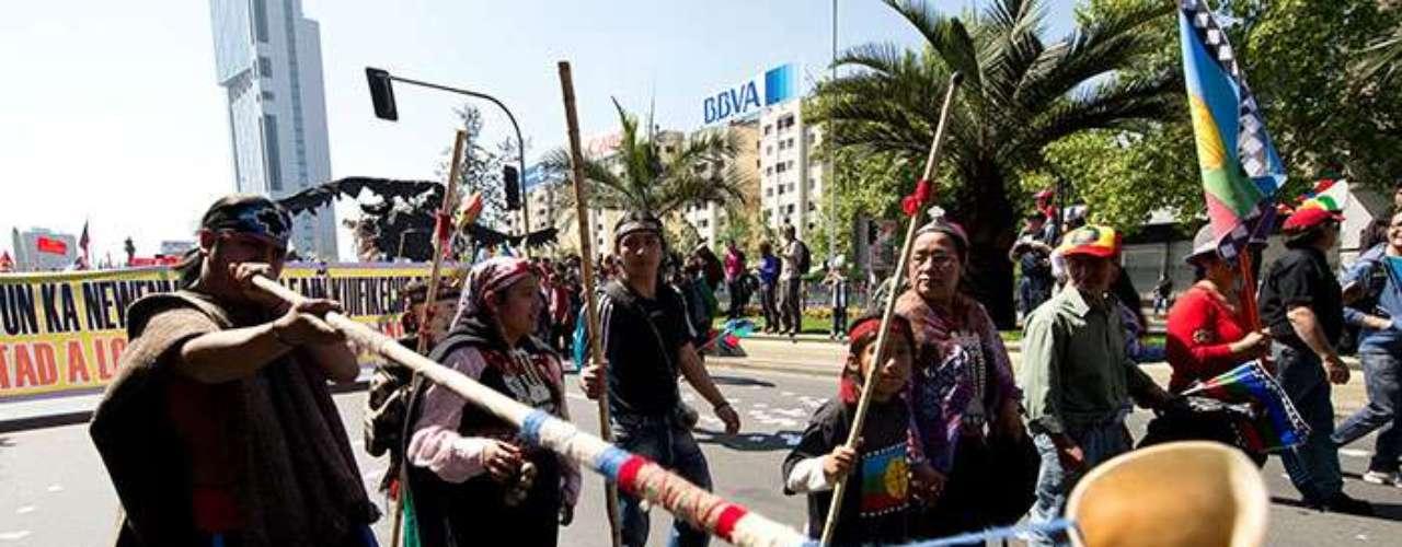 Hasta el momento, la Policía detuvo a dos hermanos mapuche presuntamente implicados en el incendio que provocó la muerte de un matrimonio de agricultores la semana pasada.