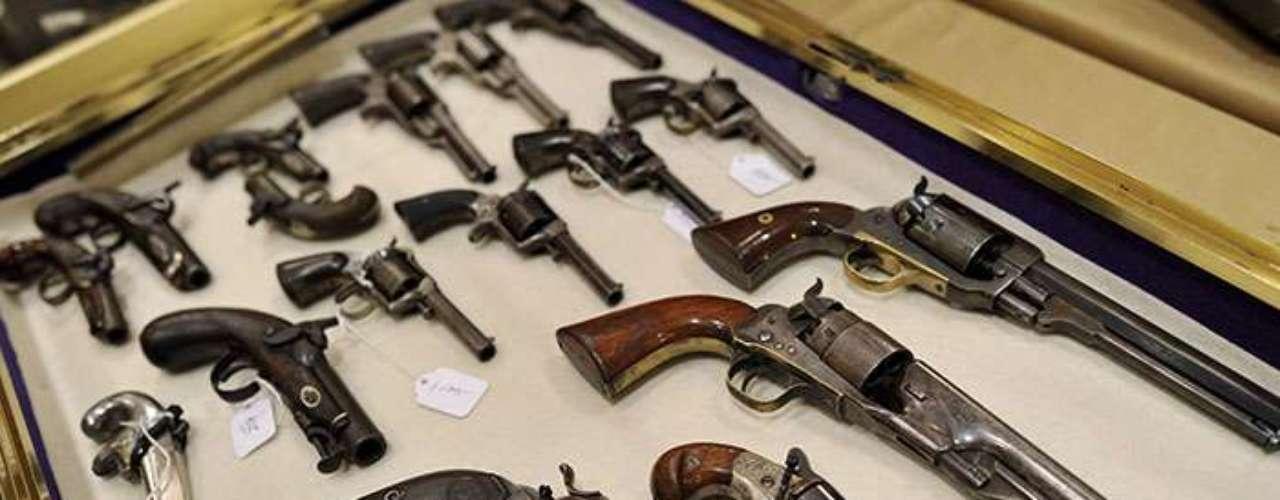 El último de ellos reveló que los estados norteamericanos con una legislación más estricta sobre la venta de armas al público son los que han registrado hasta ahora los índices de mortalidad más bajos.