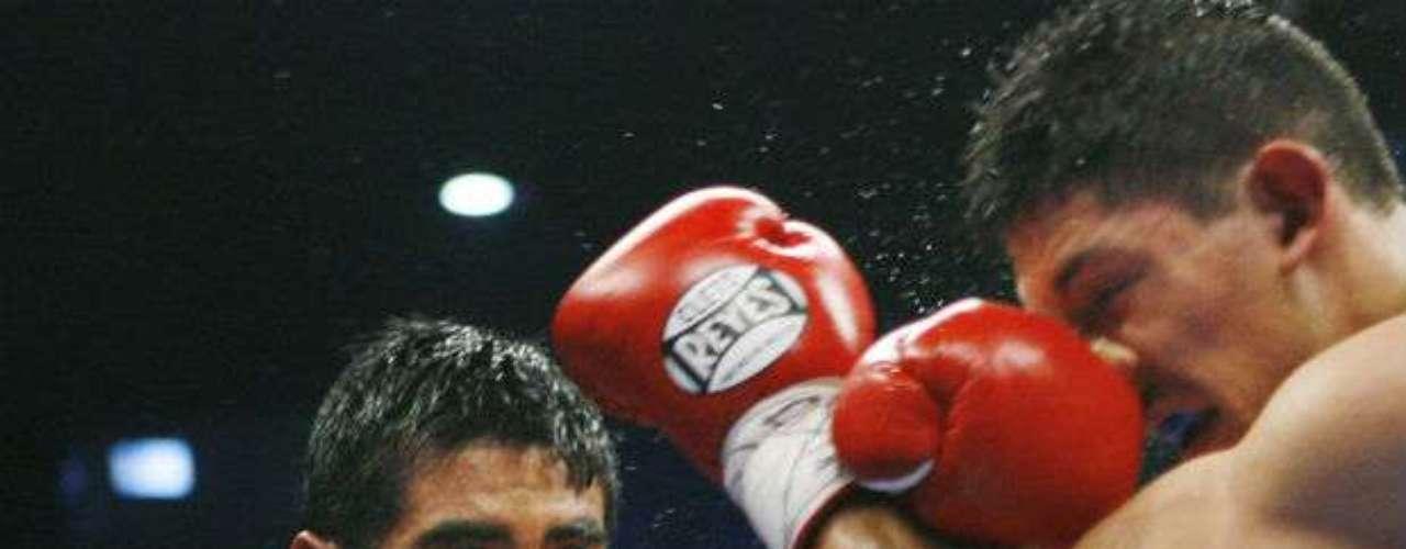 El mexicano Erik Morales recién anunció su retiro del boxeo tras perder por nocaut ante Danny García. El 'Terrible' se fue de los cuadriláteros a los 36 años. Fue cuatro veces campeón mundial en distintas divisiones.