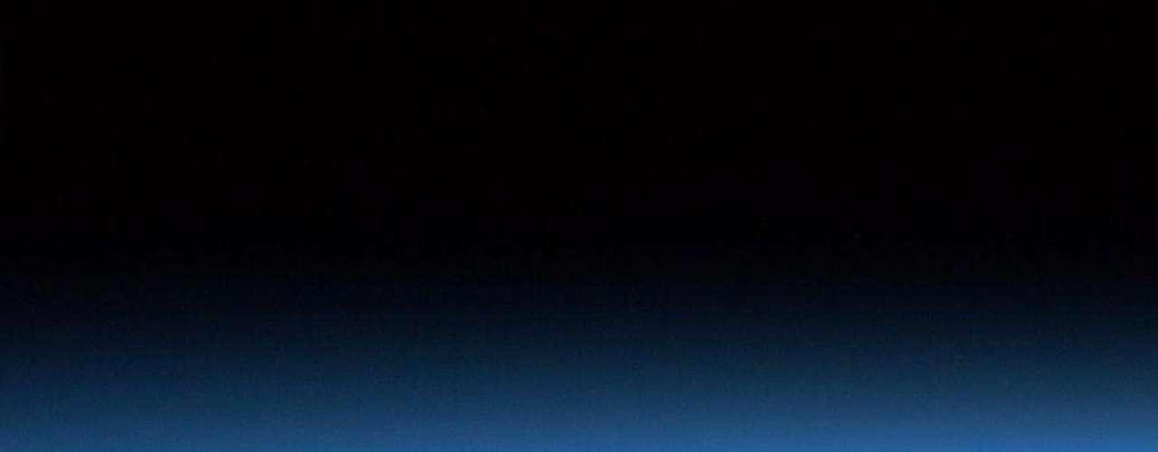 Nuestra atmósfera tiene distintas capas: la troposfera y la estratosfera son fácilmente visibles desde la órbita.