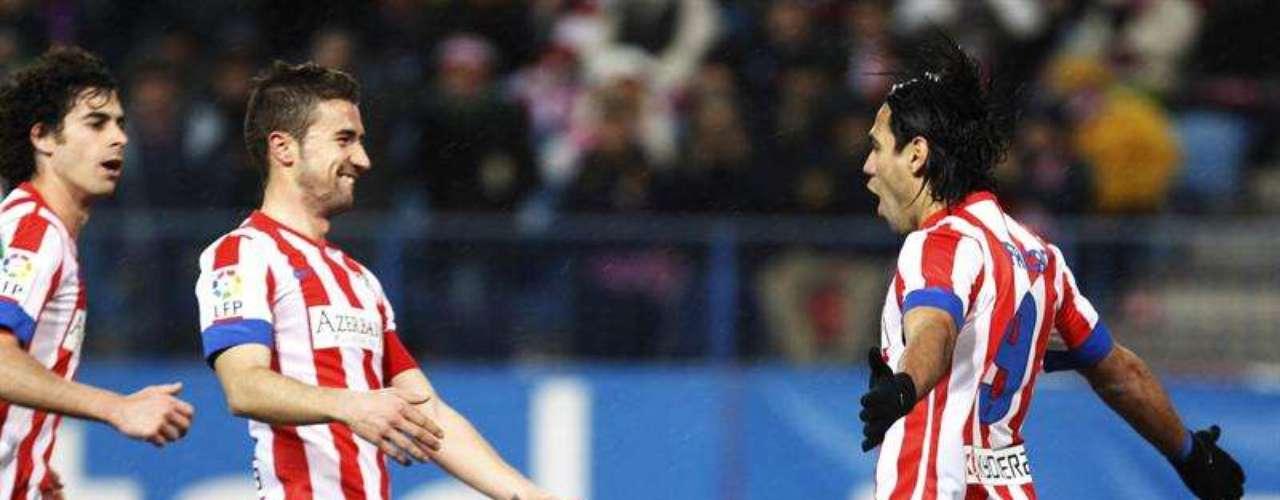 'Atleti'easily beat Zaragoza 2-0.