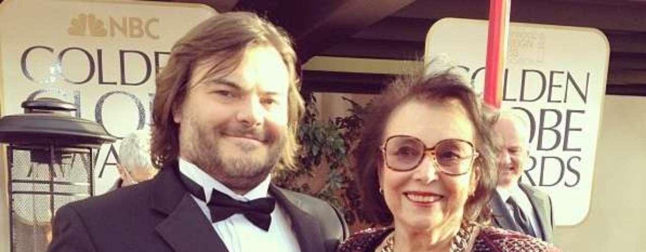 Jack Black llegó junto a su mamá a la ceremonia de los Globo de Oro.