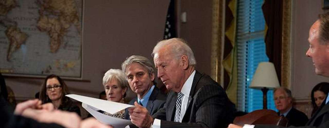 To present a formal proposal to the US Congress, Barack Obama asked vicepresident Joe Biden to conduct a research about ways to reduce firearms violence.