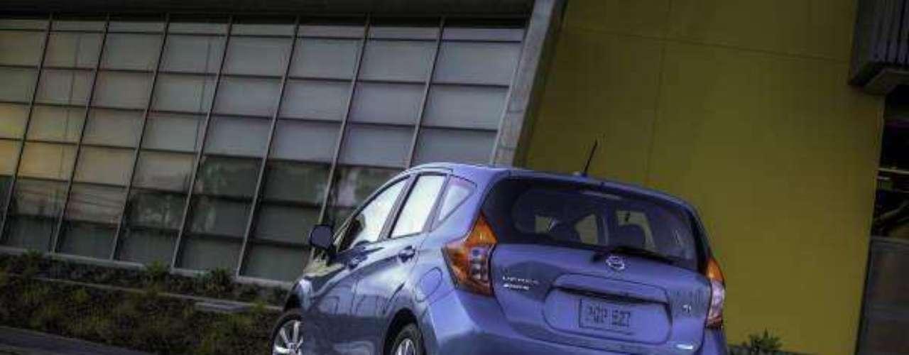 Foto Nissan Versa Note 2014