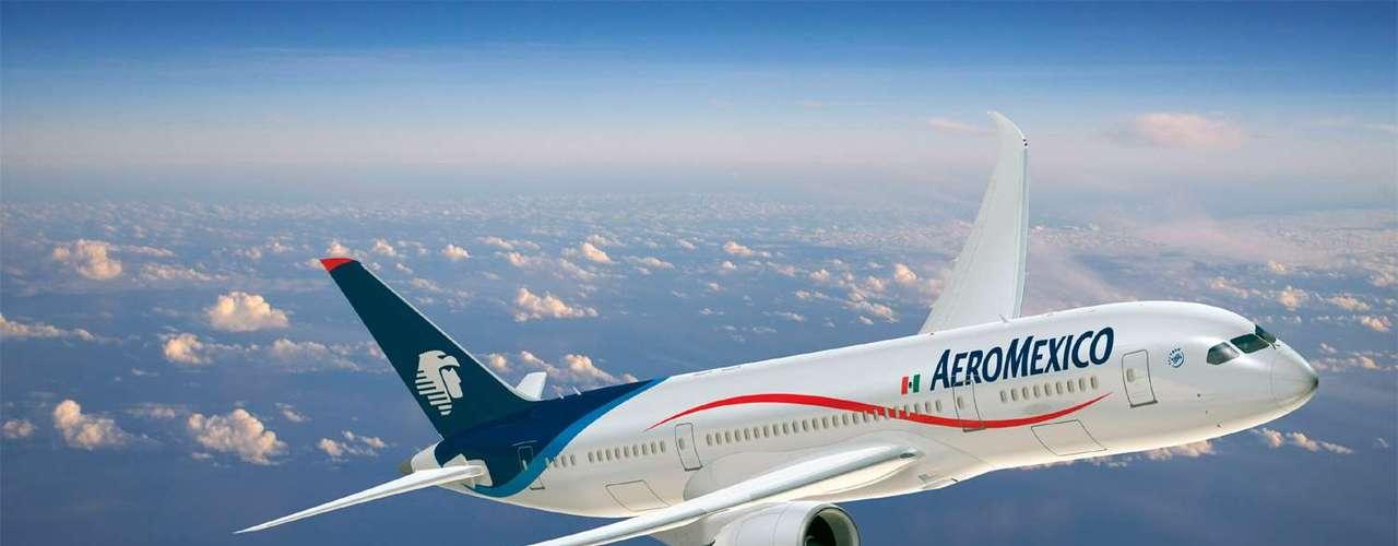 Aeroméxico. La lista es encabezada por este grupo, que tiene su centro principal en la Terminal 2 del Aeropuerto Internacional de la Ciudad de México. Opera más de 600 vuelos diarios a distintas ciudades en México, Estados Unidos, Canadá, Centro y Sudamérica, así como en Europa y Asia.