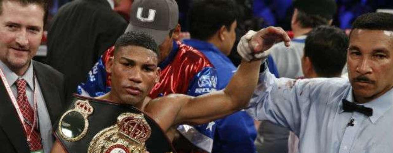 Para el organismo de la AMB, el joven cubano Yuriorkis Gamboa es el campeón interino de los Superplumas, con un récord de 22 triunfos y sin derrota.