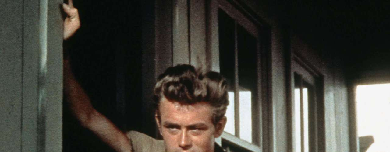 James Dean, el actor de 'Rebel without a cause' falleció a los 33 años en un accidente automovilístico, Dean se perfilaba para ser uno de los íconos del cine de Hollywood