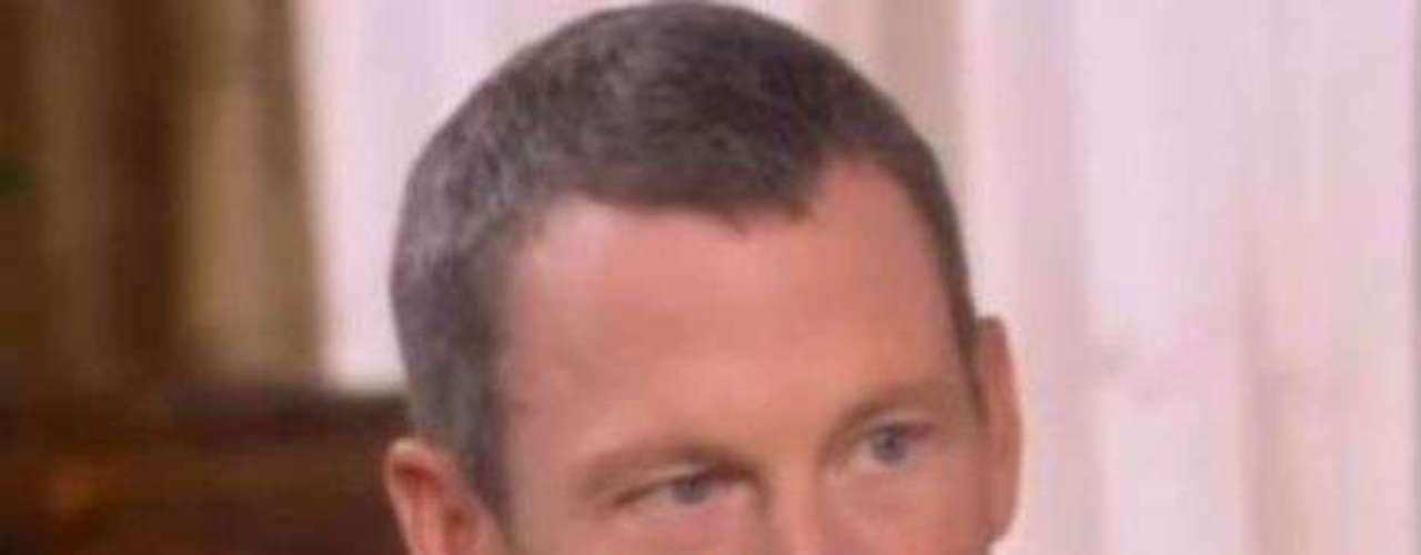 Cuando Armstrong se enfrentó a acusaciones de que era un autor intelectual de las actividades antidopaje, O'Donnell dice que el ciclista no pudo evitar dejar salir una sonrisa o dos. Él no puede resistirse a hacer pequeñas sonrisas mientras reflexiona sobre la intimidación y experiencia, lo que refleja que siente orgullo en vez de remordimiento genuino.