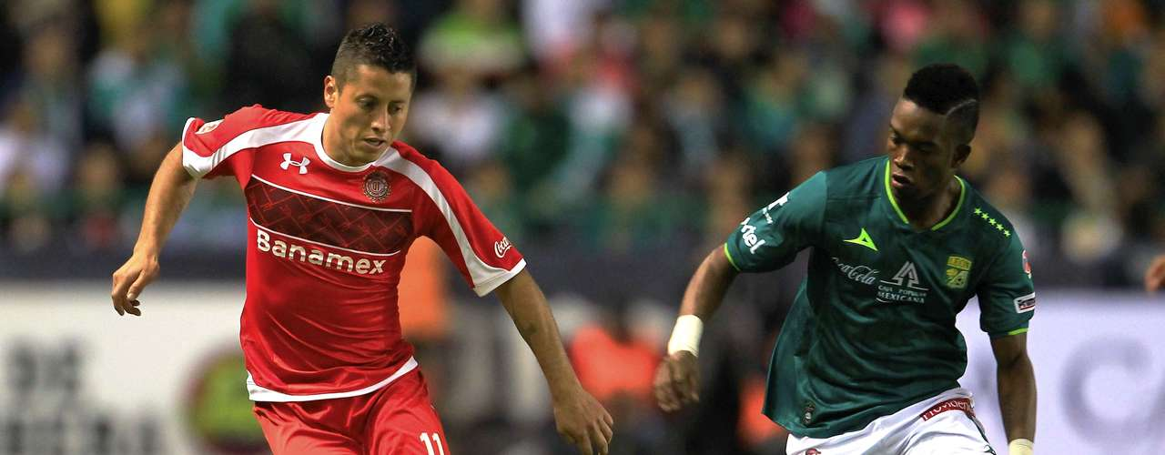 Carlos Esquivel gave an assist on the first goal.