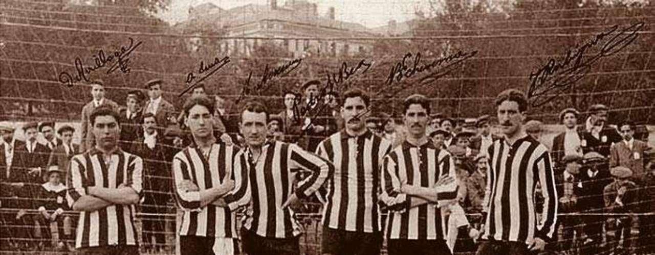 El extinto Club Ciclista de San Sebastián se impuso en 1909.