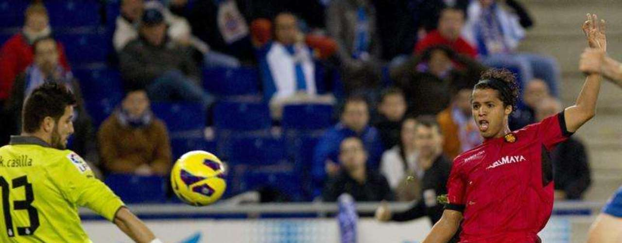 Gio Dos Santos took advantage of a mistake from his comaptriot Hector Moreno to scores against Espangol as Mallorca fell 3-2.