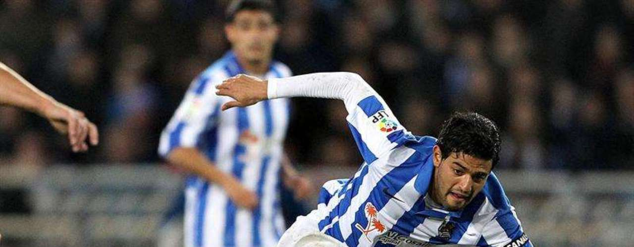 Carlos Vela was consistent against Barcelona, giving an assist for one of the goals for Real Sociedad.