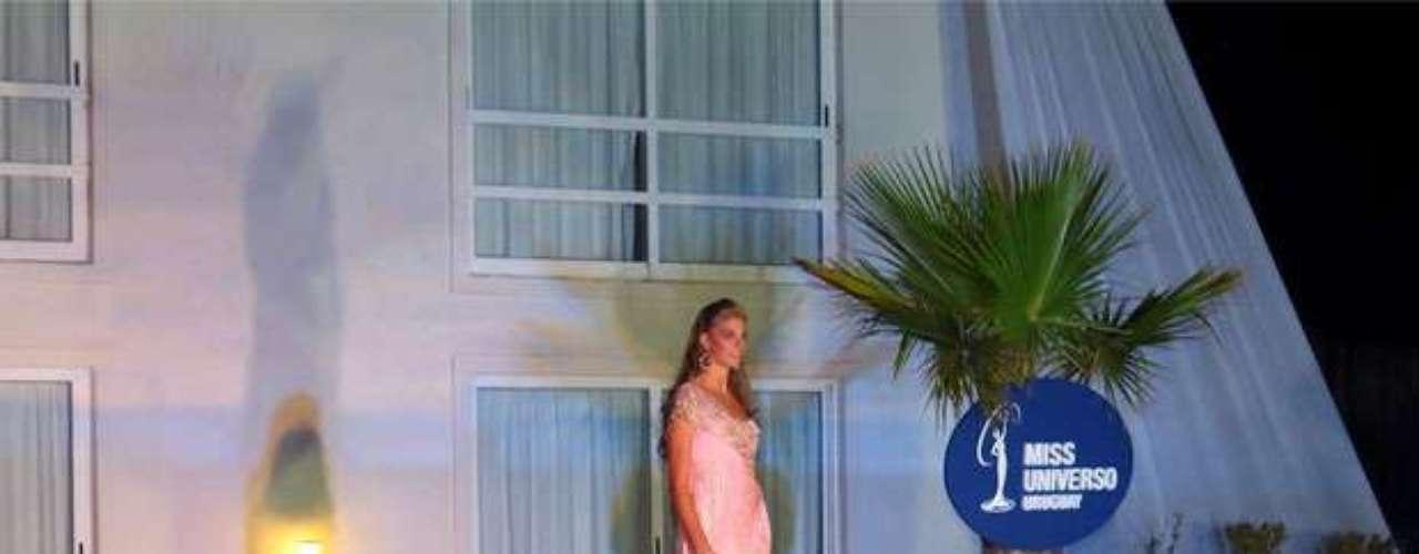 Con 18 años de edad y 1.83 metros de estatura, ahora tendrá que luchar por obtener la primera corona de este certamen internacional de belleza para su país, durante la edición número 62 del certamen ¿Lo logrará?