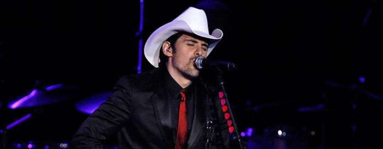 The country music singer, Brad Paisley, also entertained the guests during the event.