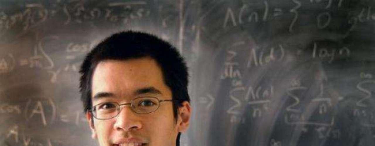 Terrence Tao, conun IQ de 230, cuenta con más de 200 artículos publicados en su haber.