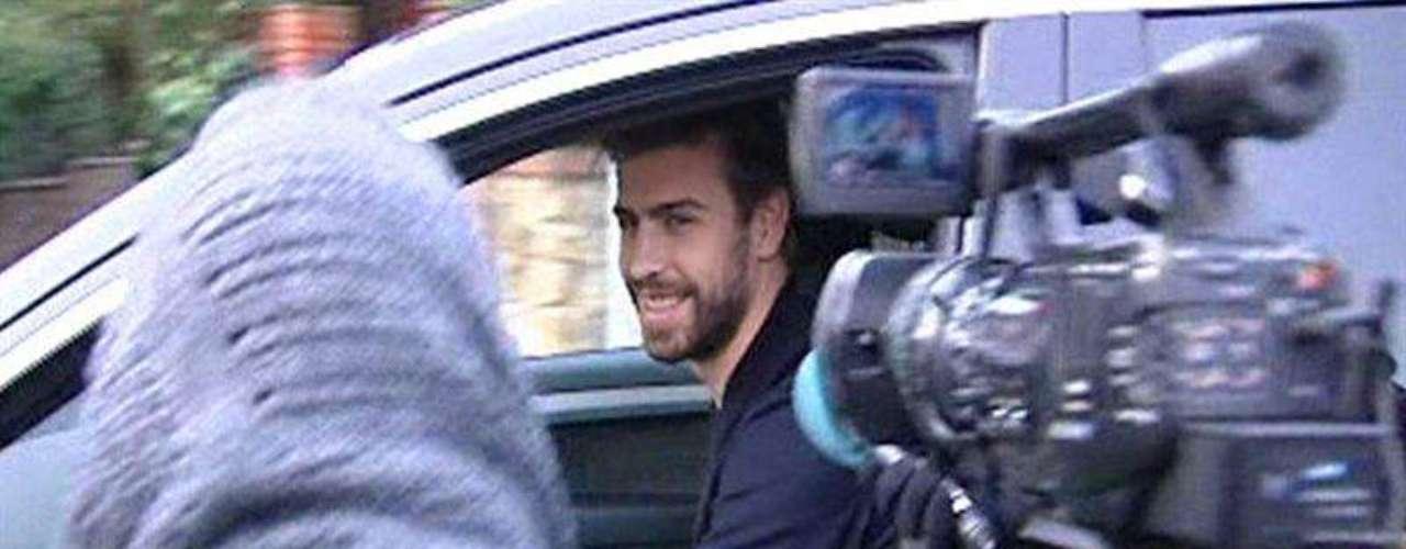 Gerard Piqué, a su salida de la clínica Teknon (Barcelona). \