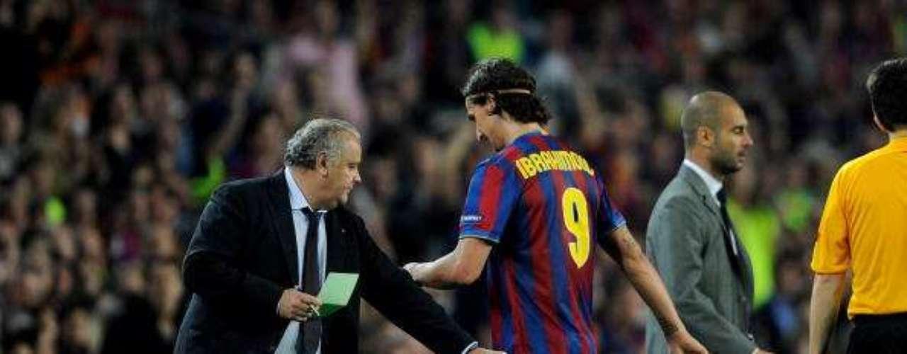 En sus inicios como técnico del Barcelona, Guardiola tuvo difrencias con Zlatan Ibrahimovic, un crack que salió por la puerta trasera del conjunto 'blaugrana'.