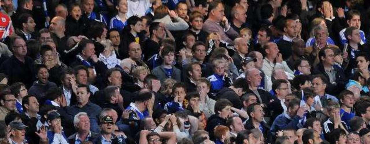 En 2009, año del triplete 'Culé', la Champions League quedó con 'asterisco' para la escuadra catalana y Guardiola,luego de una semifinal muy polémica enStamford Bridge ante el Chelsea, en la que el árbitro Tom Henning Ovrebo no señaló varios penaltis que parecían claros a favor de los locales.