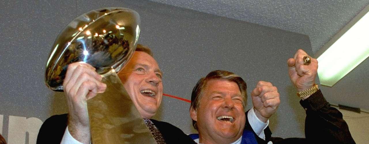 Después de los 49ers, llegaron a sus rivales de conferencia, los Cowboys de Dallas, que ganaron los títulos en 1992, 1994 y 1995.