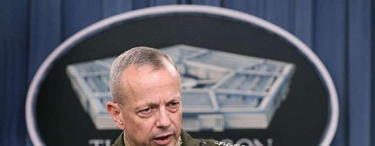 La investigación de Petraeus también incluyó al general John Allen, comandante de las fuerzas de EE.UU. en Afganistán, debido a los miles de correos electrónicos 'coquetos' intercambiados con una mujer de sociedad, en Tampa, Florida.