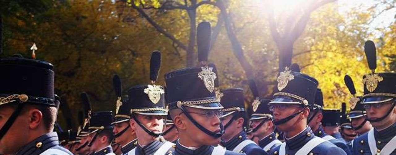 El grave problema de los ataques sexuales parece tener origen desde la formación de los jóvenes cadetes. El año pasado en las tres academias militares de Estados Unidos se dispararon las denuncias en un 23%, pero los datos muestran una persistente renuencia de las víctimas a buscar una investigación penal.