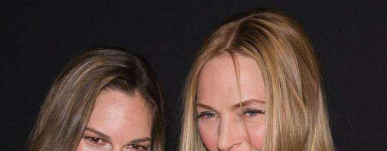 Día 2: Las actrices Hilary Swank y Uma Thurman asistieron al desfile Giorgio Armani Prive en el segundo día de la semana de la alta costura de París.