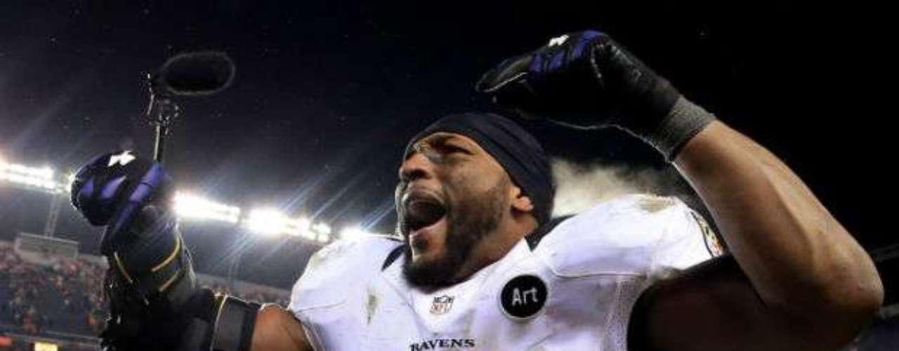 Ray Lewis es el corazón de la defensa de Baltimore. A pesar de su veteranía, el linebacker sabe leer muy bien las jugadas. Además, el ingrediente de su último juego como profesional en la NFL le dará motivación no sólo a él, sino a todos los Ravens.