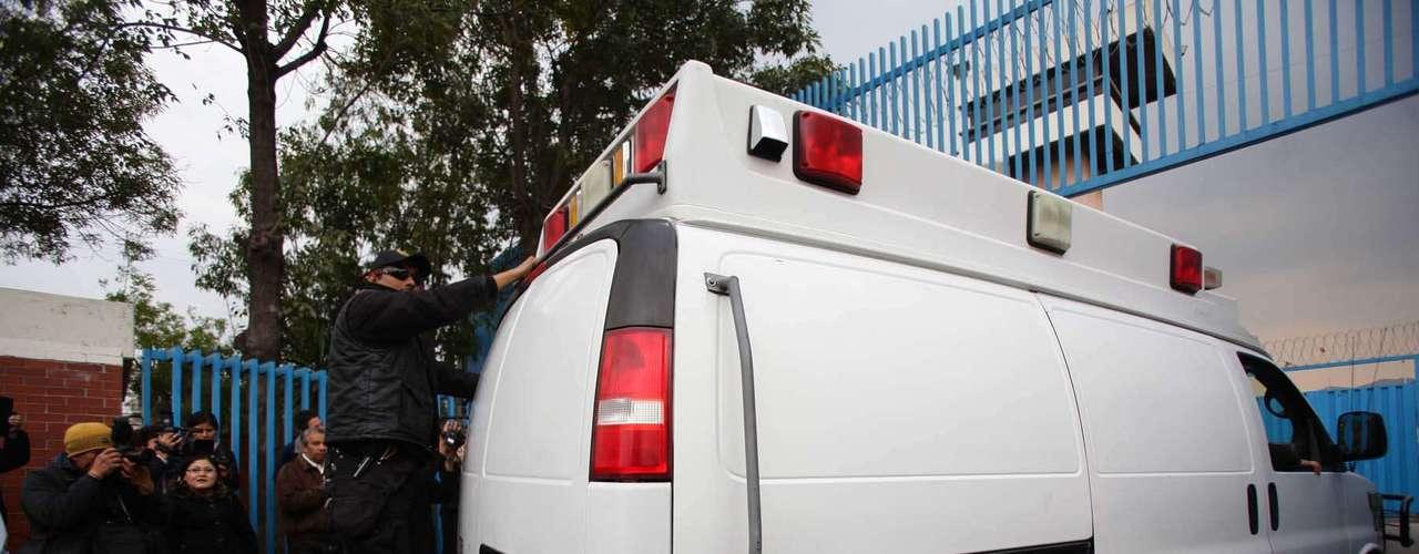 La Policía del DF dispuso de seis camionetas de elementos adscritos a la unidad relámpago y otra más con vidrios polarizados marcada con el número económico A6-066. El operativo también dispone de una camioneta blanca para el traslado de reos. El convoy de las autoridades también incluye 2 motocicletas y 2 patrullas.