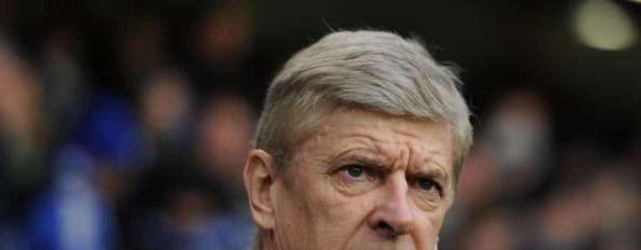 Arsene Wenger, técnico de Arsenal, señaló en noviembre de 2009: \