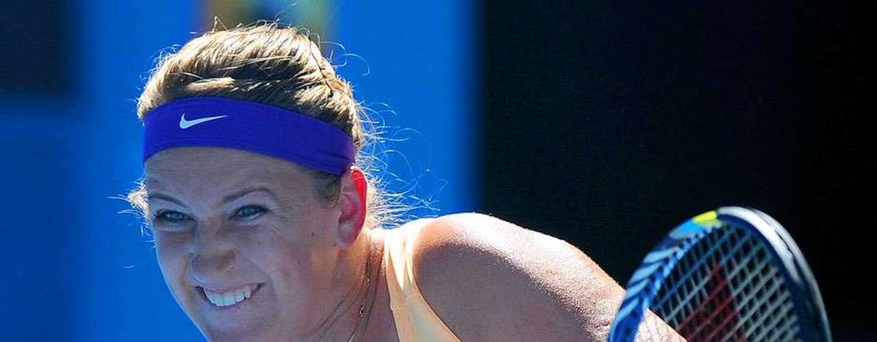 La bielorrusa Victoria Azarenka disputará la final del Abierto de Australia contra la china Li Na tras calificarse al derrotar en Melbourne a la norteamericana Sloane Stephens en dos sets, 6-1, 6-4.