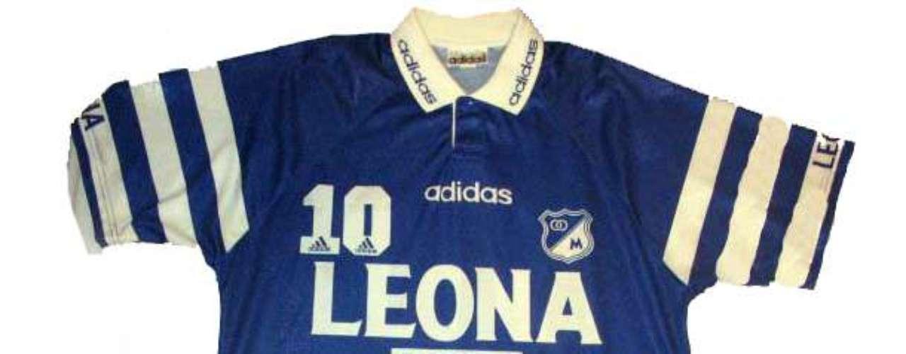 Camiseta utilizada durante la temporada de 1996, marca Adidas y patrocinada por Cerveza Leona