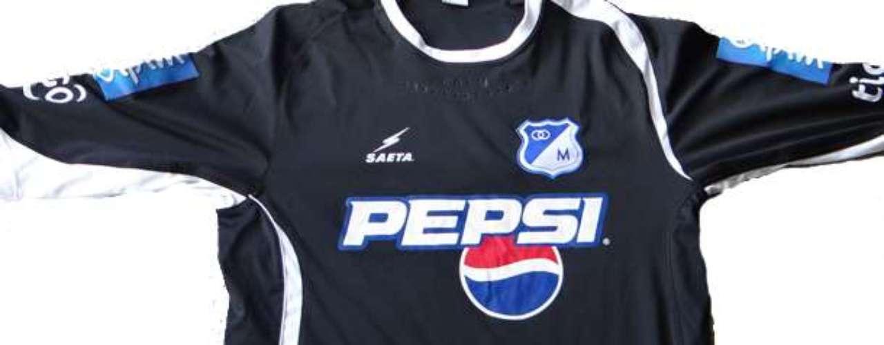 Camiseta de la temporada 2009 alternativa, marca Adidas patrocinada por Pepsi