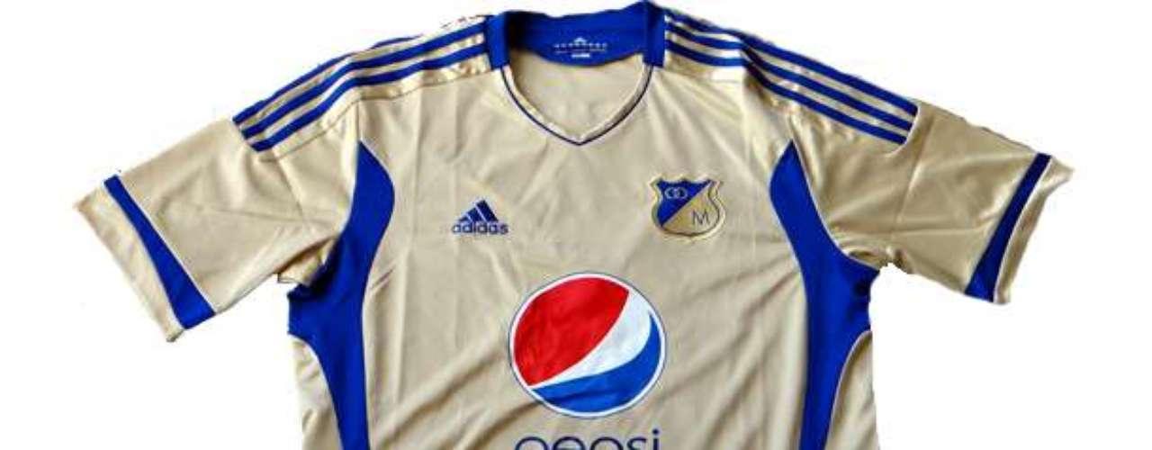 Camiseta alternativa del 2011 bajo la marca de 'El Dorado' patrocinada por Pepsi y hecha por Adidas
