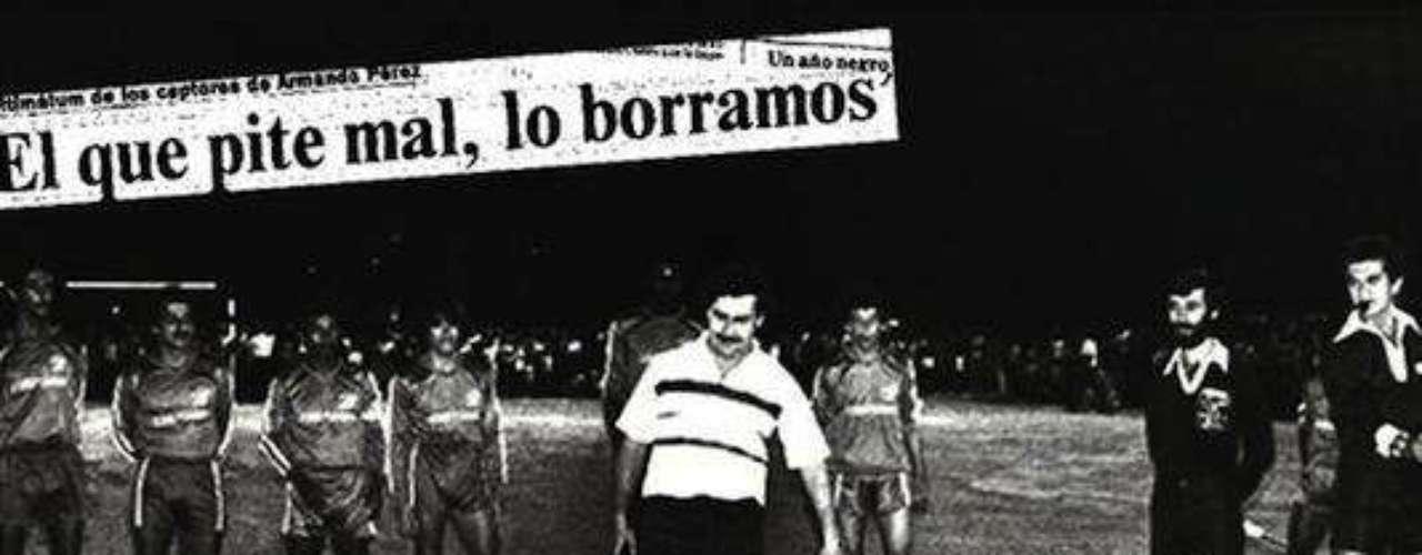 Las principales denuncias de esa época fueron filtradas y tomadas por los diarios del país, la inseguridad rondaba en Colombia y el fútbol ya estaba implicado.Entra a la página de 'Escobar, El Patrón Del Mal''Escobar, El Patrón del Mal', ¿quién es quién?Las Narco-novelas colombianas, polémicas y exitosasEllas son 'Las Muñecas de la Mafia'.