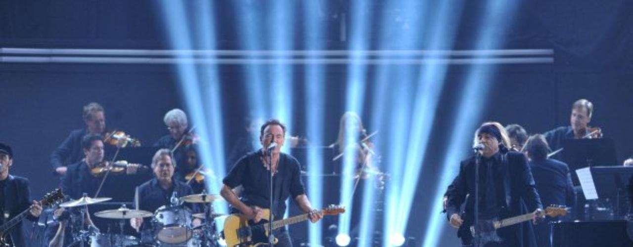Bruce Springsteen abrió con su rock el show en vivo de la ceremonia.