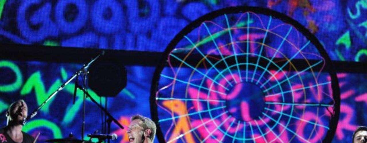Coldplay y 'Paradaise' le inyectaron otro toque de rock a la noche.