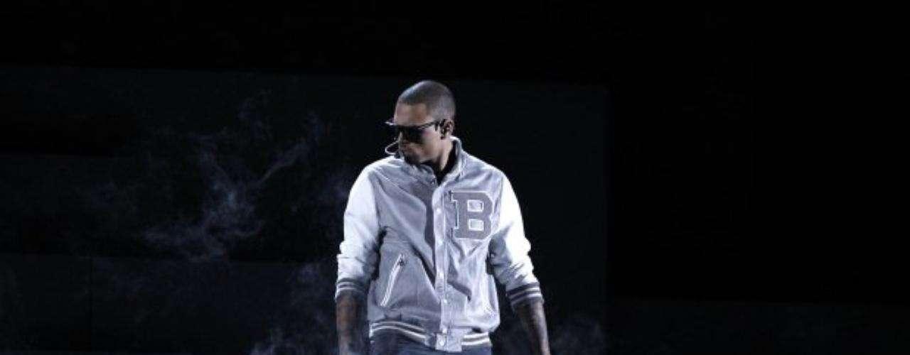 Chris Brown derrochó energía y talento en el escenario.