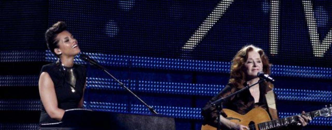 Alicia Keys y Bonnie Raitt rindieron un homenaje a la cantante de soul fallecida en enero: Etta James.