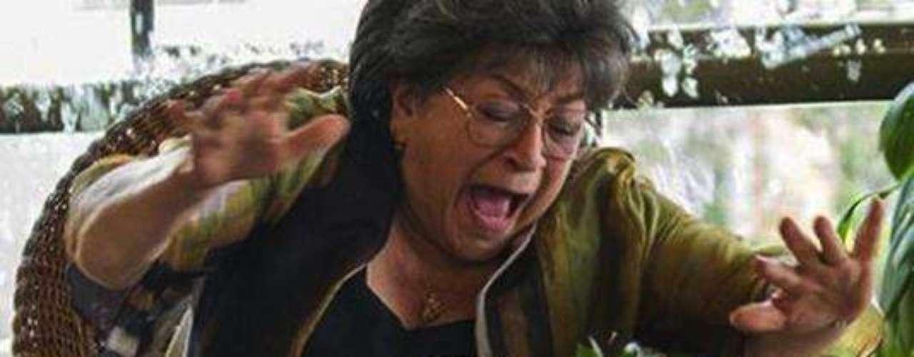 Para acabar con Pablo Escobar, el grupo delincuencial 'Los pepes' decidieron empezar por sus seres queridos. Doña Enelia, Paty y su hija, fueron víctimas de un atentado en su propia casa, lo que hizo que buscaran otro refugio.Entra a la página de 'Escobar, El Patrón Del Mal''Escobar, El Patrón del Mal', ¿quién es quién?Las Narco-novelas colombianas, polémicas y exitosasEllas son 'Las Muñecas de la Mafia'.