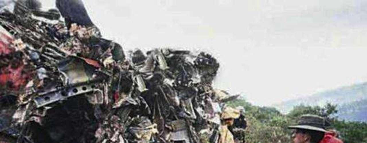 Un avión de Avianca fue destruido en pleno vuelo por una bomba ordenada por el Cartel de Medellín. El atentado tuvo un saldo trágico de 110 personas muertas.Entra a la página de 'Escobar, El Patrón Del Mal''Escobar, El Patrón del Mal', ¿quién es quién?Las Narco-novelas colombianas, polémicas y exitosasEllas son 'Las Muñecas de la Mafia'.