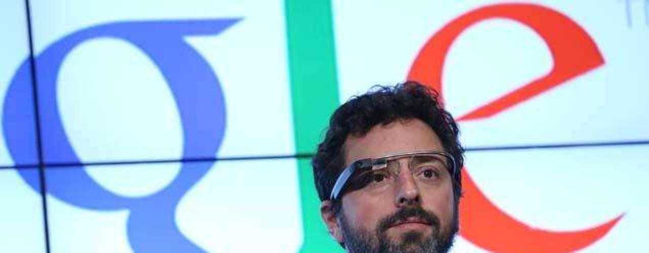 Sergey Mijaylovich Brin es un empresario ruso, de origen judío y cofundador de Google. Brin y Larry Page se conocieron durante unas jornadas de orientación para nuevos estudiantes en la Universidad de Stanford. En un principio chocaron, pero tiempo después se conectaron e intercambiaron ideas.