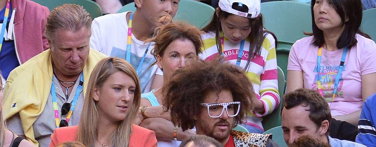 La campeona femenil, Azarenka, también disfrutó del partido entre Murray y Djokovic.