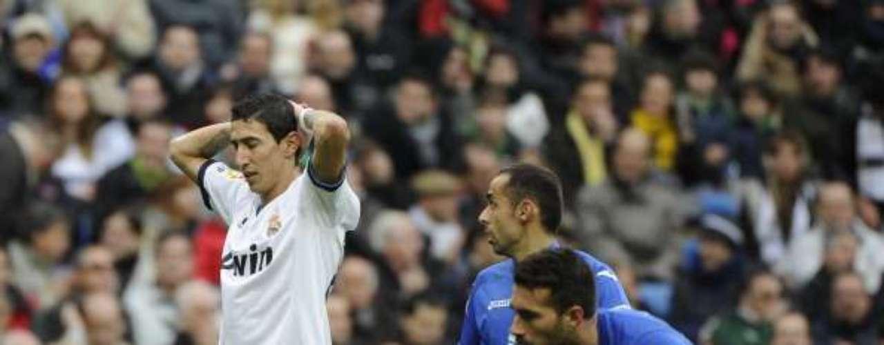 El jugador argentino Ángel Di María se lamenta de una ocasión fallada.
