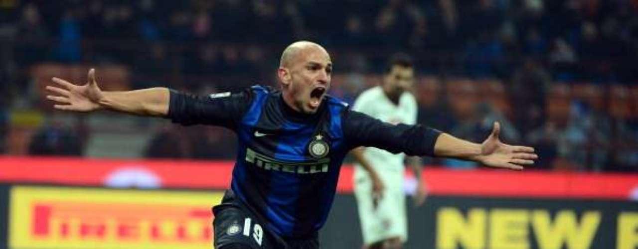En el Giuseppe Meazza, Inter de Milán no pudoante el resistente Torino (2-2); Esteban Cambiasso salvó un punto para los 'neroazzurros'.